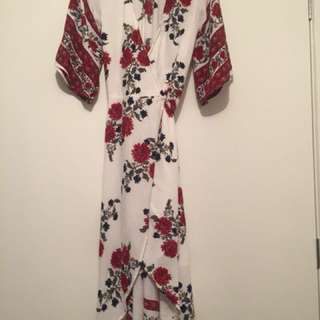Reverse floral maxi dress size 6 - Tieable
