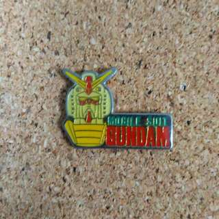 Gundam mobile suit pin badge