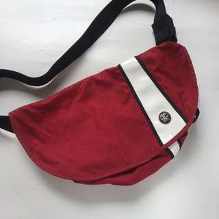 crumpler weenie messenger bag