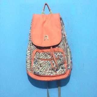 Neosac peach backpacker bag