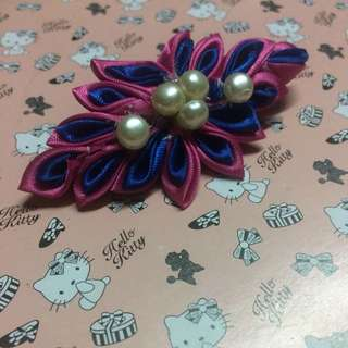 pink and blue clip