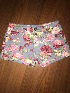 Mid waist floral shorts