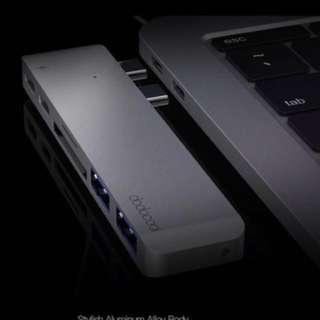[1 year warranty] dodocool Hyperdrive USB C Hub: Thunderbolt 3 USB-C USB 3.1 Hub SD Card Reader for Apple MacBook Pro Hyperdrive