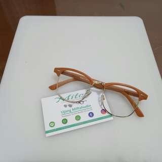Kacamata Motif Kayu