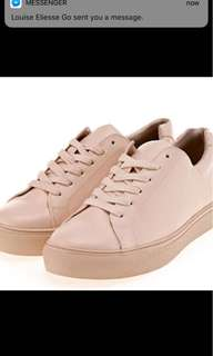 Nuovo Shoes