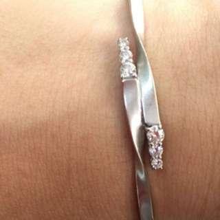 🈹️周生生18k金鑽石手鐲 共37份重金原價$16800 平售$7600