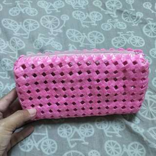 Straw Pouch (pink)