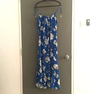 [Size M-L] Flowy Maxi Dress