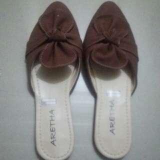 Flat shoe's