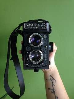 Yashica 124g