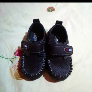 Baby boy shoes for 6 to 9 months
