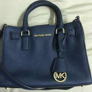 Michael kors authentic  Dillon navy satchel leather