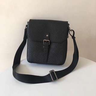 Burberry Leather Cross Sling Bag Black Colour