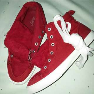 Old navy red high cut shoes♥
