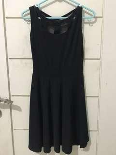Black dress ( backless )