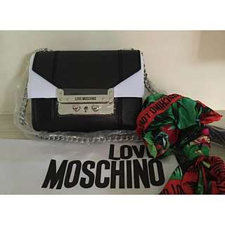 BNWT Love Moschino JC4233 Small Flap Bag /w Chain And Scarf