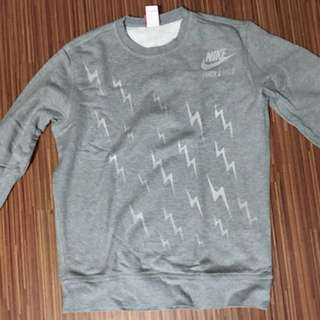 NIKE TRACK AND FIELD SWEATER