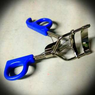 Blue Eyelash Curler