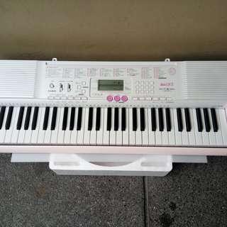 Casio lk-105 keyboard from japan