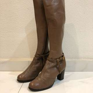Women's vintage leather boots