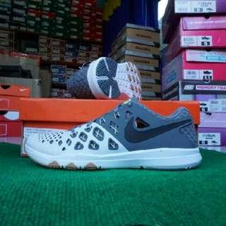 Nike TRAIN SPEED 4 men (843937 005) Warna: pure platinum/black-cool grey