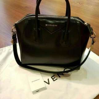 2013 givenchy antigona small black smooth (db tags)