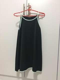 Halter outline dress in black