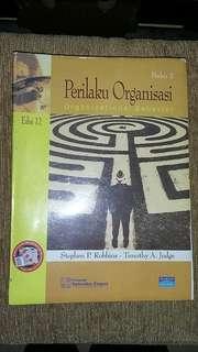 Perilaku Organisasi (Edisi 12)