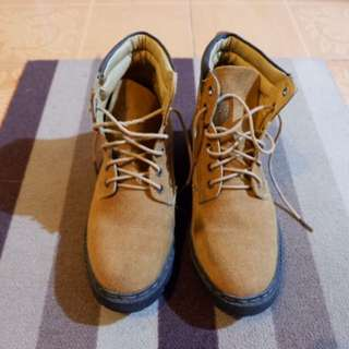 Mondi Shoes Suede Brown Boots