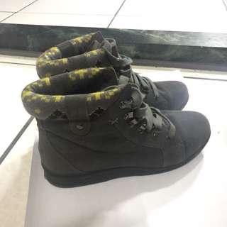 🚚 達芙妮 真皮 麂皮 靴子