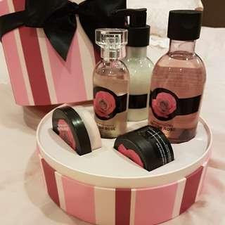 BNIB British Rose Gift set