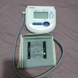 Citizen 上臂式血壓計