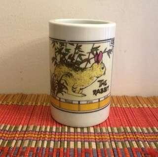 Jingdezhen zodiac rabbit porcelain pen holder
