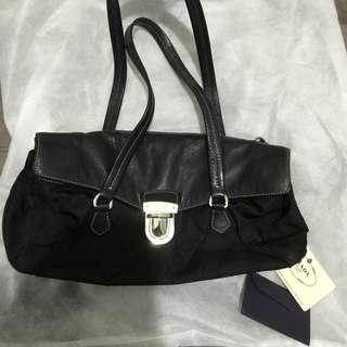 清櫃 Prada hand bag