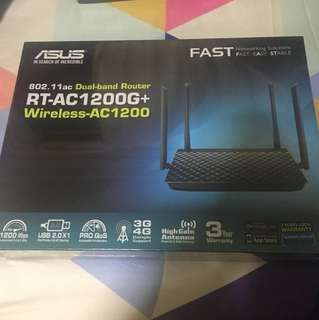 BNIB RT-AC 1200G+ Asus Dual-Band Router