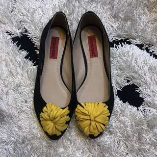 London Rebel pompom flats