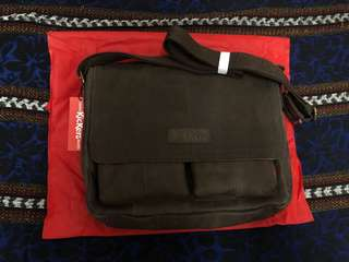 [ REDUCED PRICE ] AUTHENTIC KICKERS SLINGBAG