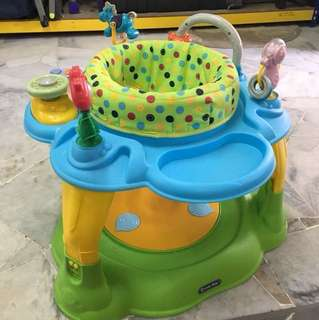 Lucky baby exersaucer with music