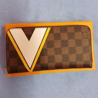 LV Long Damier wallet- N.A