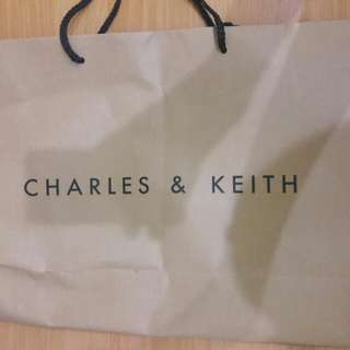 Preloved Bag Kertas Charles n keith Buesaaarr