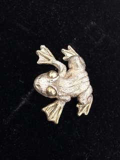 Large sterling silver frog brooch or pendant