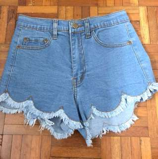 *NEW*Scallop Hem High Waist Shorts