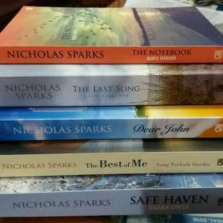5 Best-Sellers Novel by Nicholas Sparks (edisi Bahasa Indonesia)