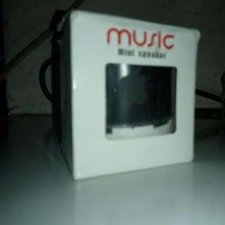 merk MUSIK mini speaker bluetooth