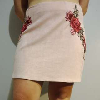 Rose embroidery skirt