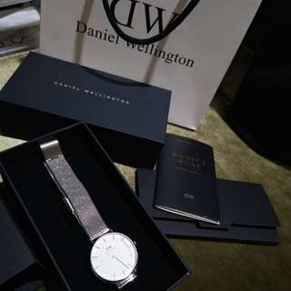 Daniel Wellington Watch 100% ORIGINAL