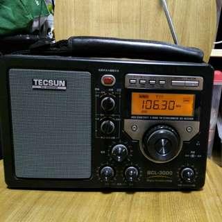 9成新 德生 BCL-3000 收音機 天線有換過 不過沒問題