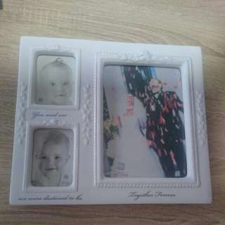 White lace and promises porcelain frame