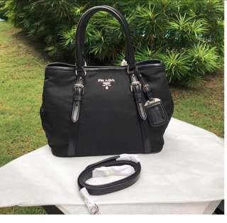 💯 Authentic Prada BN1841