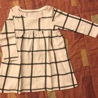Old Navy dress 6-12mos (used 3x only)
